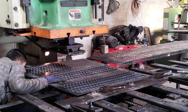 桥型孔筛板-桥型冲孔网-专业桥型孔制造商