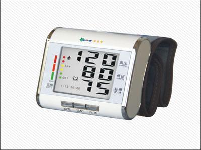 供应世医堂电子血压计产品