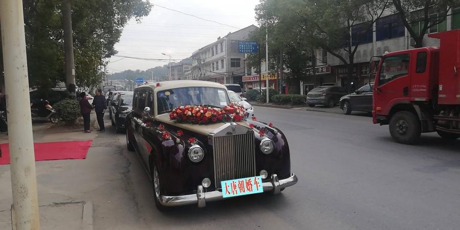 武汉婚车套餐奔驰/宝马加奥迪婚车车队出租